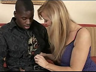 Superhot Mom Nicole Moore takes a fat black cock