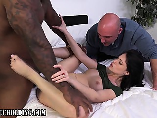Fetish domina eats cum